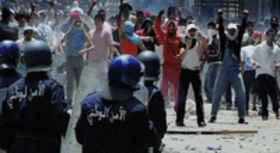 Emeutes contre les démolitions à Kouba, Alger (23 11 2010)